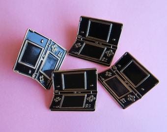 gamers 4 life enamel pin
