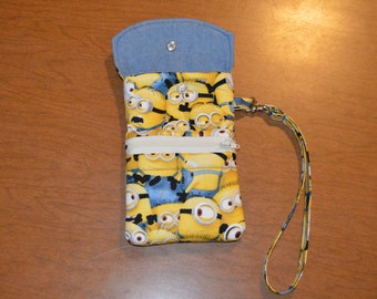 Cell phone pouch with Minions Print