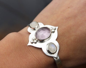 Mandala bracelet with amethyst and moonstones