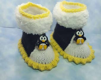 Penguin shoes ,  black yellow white Baby booties, baby shoes, baby boots,baby slippers,baby gift, knitted baby booties, baby  socks for baby