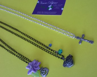 Set of necklace and pendants necklaces