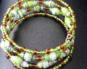 Bracelet from paper beads