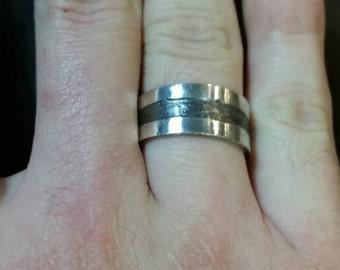 Custom ring (band)