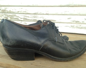 Designer Black leather 1990s cuban heel oxfords by Guess? Georges Marciano size 9 RESERVED
