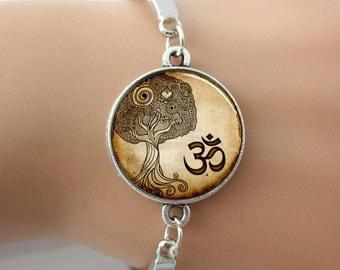 Om Yoga Zen Tree Buddhist Glass Dome Photo Bracelet Bangle Antique Silver plated