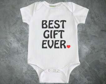 Best Gift Ever Baby Bodysuit. Baby shower gift. baby boy coming home outfit. baby girl coming home outfit. newborn outfit. hospital outfit.