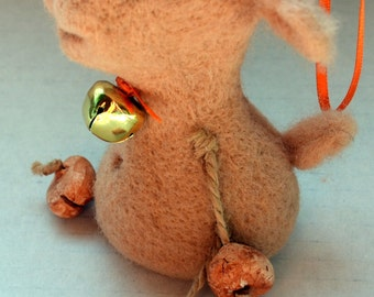needle felted sheep-pendant