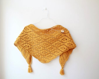 Hand-Knitted Shawlette