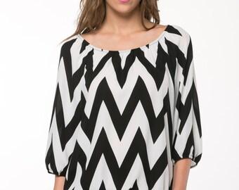 Black & White Zigzag Ruched Scoop Neck Top