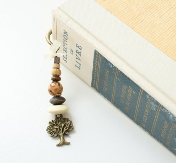 Items similar to Bookish gift, tree bookmark, rustic wedding gift ...