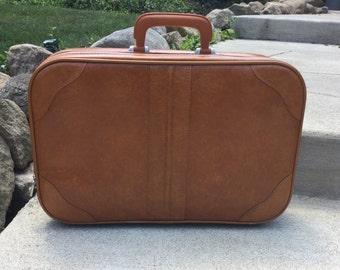 Vintage 1970's Small Tan/Caramel Suitcase