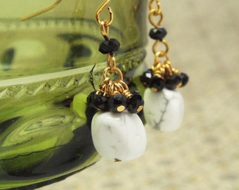 Marbelous - Marbled stone nugget earrings with black crystals