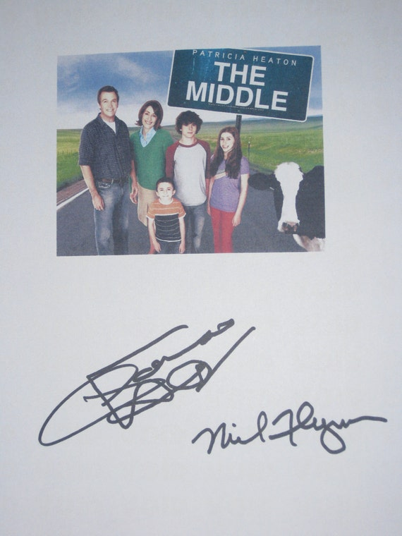 The Middle Signed TV Script Screenplay Autograph Patricia Heaton Neil Flynn signtature hit TV sit com funny show
