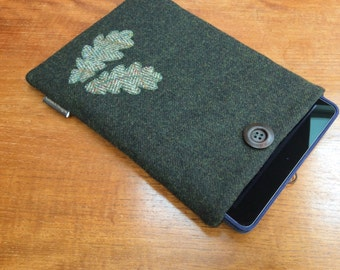 iPad Pro 9.7, iPad Air, iPad Air 2 case cover, British wool tweed, green with applique oak leaves