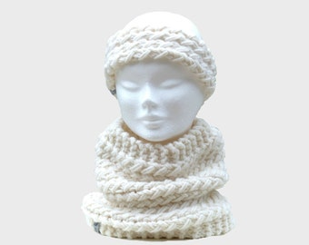 snood and off-white wool headband, scarf model