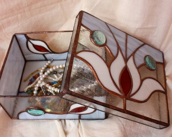 Beautiful Oriental Stained Glass handmade Box