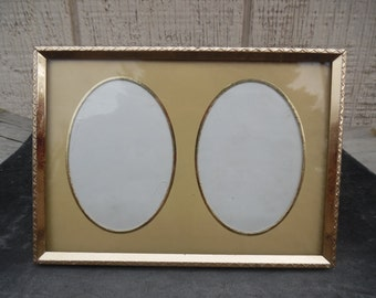 Vintage double oval metal picture frame