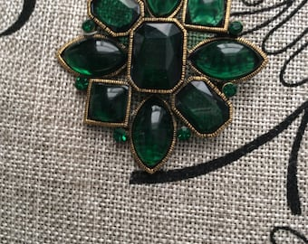 Greener on the other side - Brooch
