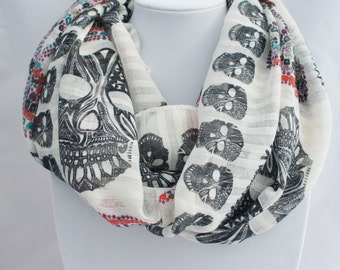SKULL infinity scarf, Scarf with skull,  printed scarf,  skulls printed scarf, loop scarf, scarf for woman, infinity scarf,  Teen scarf
