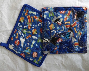 Rocket Ship Pot Holders (2)