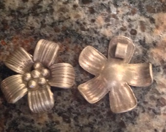 Sterling Flower  charm Hill Tribe Thai 99.9 silver 19 mm