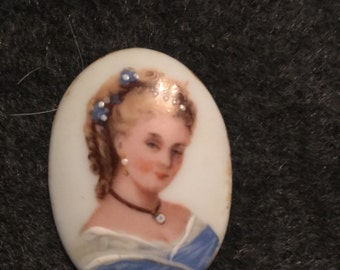 Limoges 1800 hand painted brooch