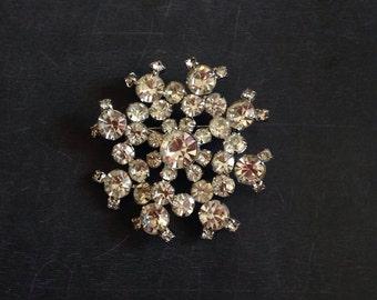 """Pretty Vintage """"Snowflake"""" Rhinestone Brooch."""