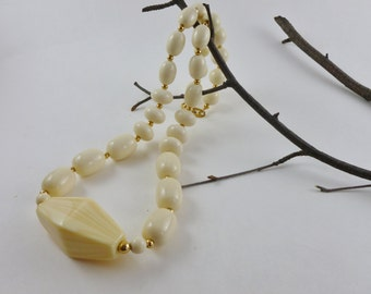 Napier vintage ivory necklace-Faux Large ivory beads-Vintage chunky-1970 Vintage-Ivory chunky Napier necklace-Bridal-gift for her-xmas gift