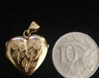 18 carat Yellow Gold Heart Locket Pendant