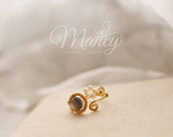 Handmade Ring with Gem Stone and Pearls