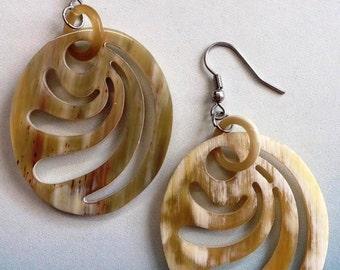 Oval earrigns