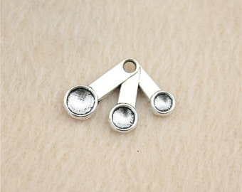8 Measuring Spoons Charms Antique Silver Tone Charms Spoon Charms Charm Bracelet Bangle Bracelet Pendants #112