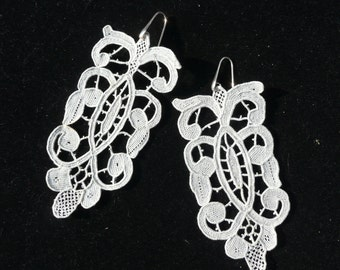antique 925 Silver mounted lace earrings