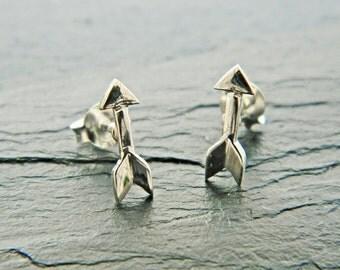 Tiny Arrow Stud Sterling Silver Earrings,Silver Arrow Earrings,Sterling Silver Arrow,Stud Earrings, Small 925 Sterling Silver Earrings,019ES