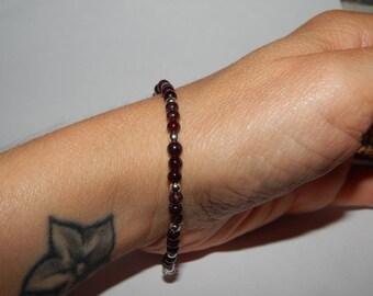 Bracelet garnet and silver