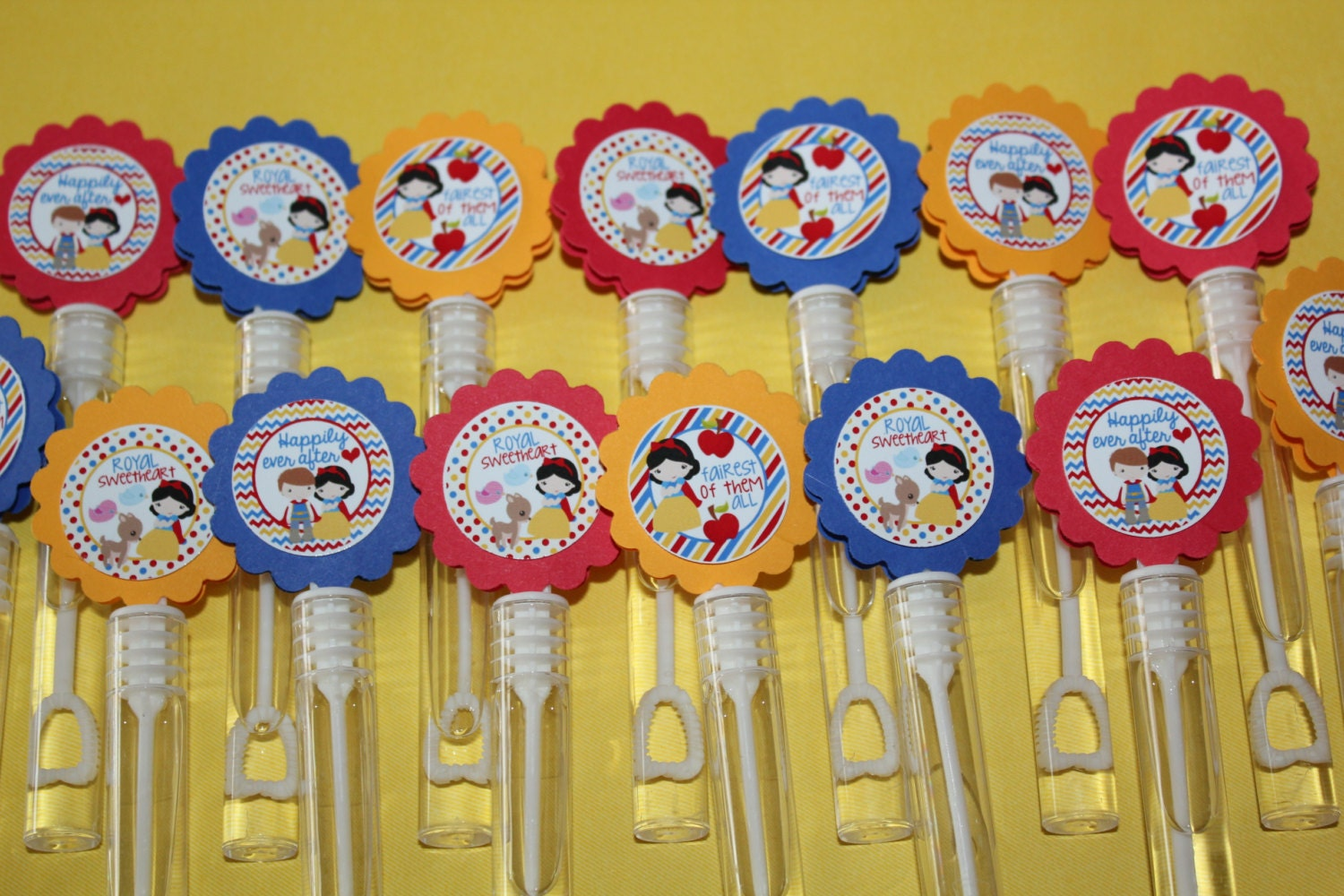 Snow white inspired mini bubble wands birthday party favors for Mini bubble wands