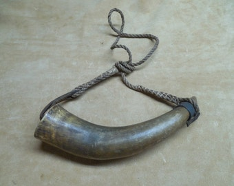 Antique Rifle Powder Horn