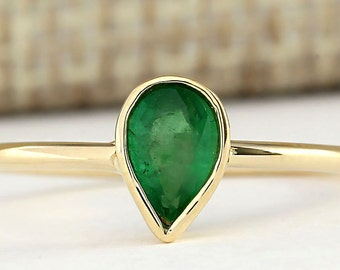 Natural Emerald Ring In 14k yellow Gold