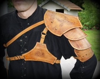 Leather armor shoulder