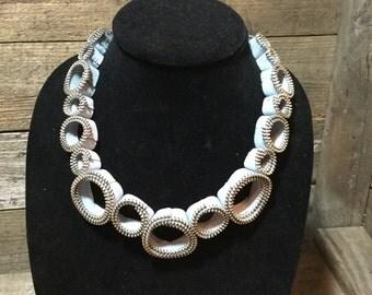 Circle Zipper Necklace - Light dusty blue