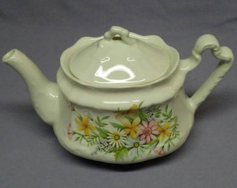 A vintage Arthur Wood teapot made in England