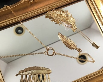 Gold feather Y line Necklace