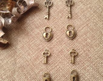 Lot 8 Metal pendants bronze