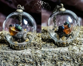 cetonie globe necklace