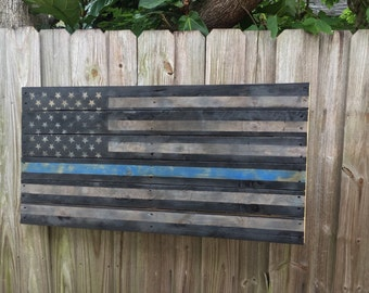 Weathered Thin Blue Line Flag Wall Décor