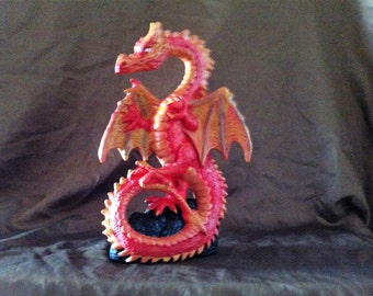 The sun and shadow dragon figurines by wizzard emporium