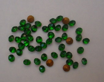 50 Emerald Fire Polished Chatons SS24