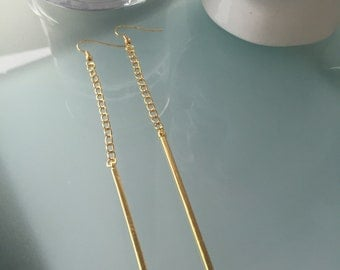 Gold bar and chain drop earrings