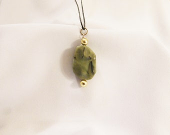 Green and Gold Stone Beaded Pendant Necklace