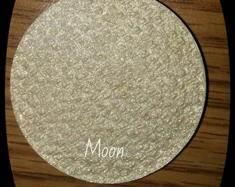 Moon highlighter 37 mm pan with compact